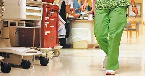 Ein Hungerlohn für unsere angehenden Krankenpfleger (Bild: ap)