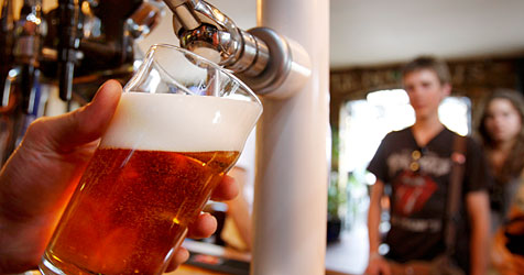 Englisches Pub bietet Tauschgeschäfte an