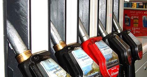 Mann stiehlt Diesel (Bild: atmlos/flickr.com)