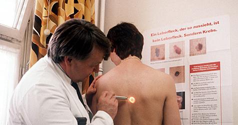 """Storno-Gebühren gibt""""s bei Arzt, Wirt und Kosmetiker (Bild: dpa/APA/dpa/Werner Baum)"""