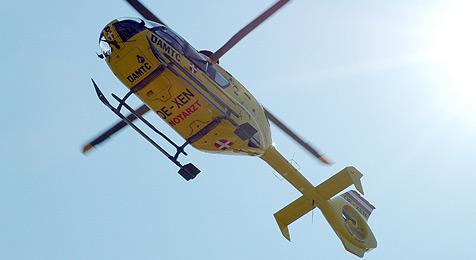 Leitschiene katapultiert Auto 61 m durch die Luft (Bild: Andreas Graf)