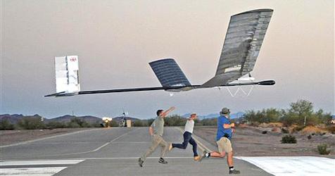 Leichtflugzeug über 83 Stunden in der Luft
