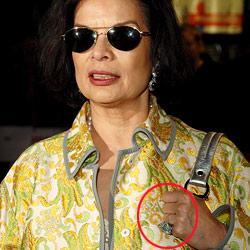 Bianca Jagger hat ihren Ring noch nicht abgeholt