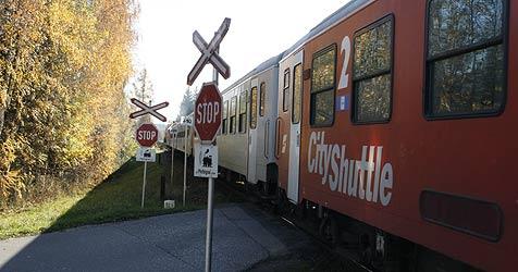 Alte Frau beinahe von Zug überfahren (Bild: Klaus Kreuzer)
