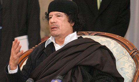 """Gaddafi zu Afrikas """"König der Könige"""" gekürt (Bild: APA)"""