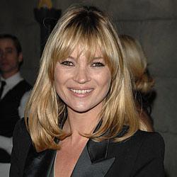 Kate Moss erklimmt spontan den Catwalk