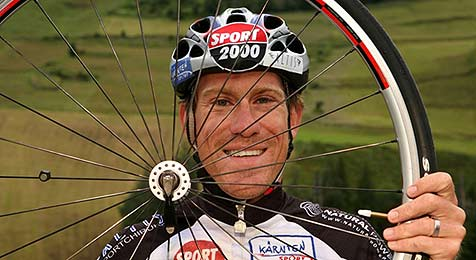 Radler Zeller will Höhenmeter-Rekord knacken (Bild: privat)