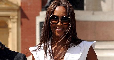 Naomi Campbell begann ihren Sozialdienst