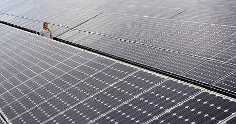 Sonnenenergie scheitert erneut an Denkmalschutz (Bild: dpa/Frank May)