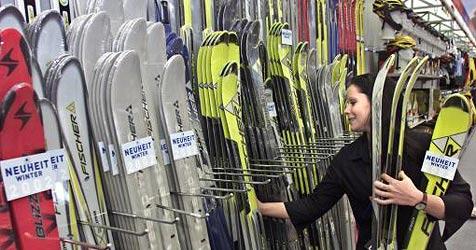 Einbrecher stehlen Skier im Wert von 85.000 Euro (Bild: APA/Harald Schneider)