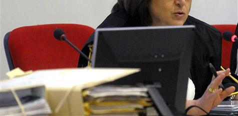 Richterin schickt Zwilling zur Verhandlung