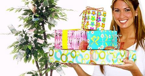 Väter bekommen billigere Geschenke als Mütter (Bild: © [2008] JupiterImages Corporation und photos.com)