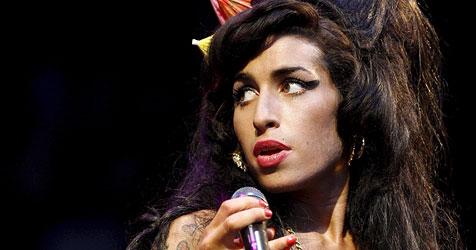 Amy Winehouse droht mit Selbstmord