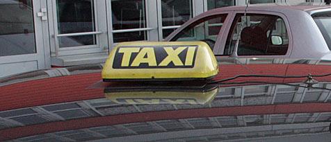Taxifahrer im Weinviertel gewürgt und beraubt (Bild: Andi Schiel)