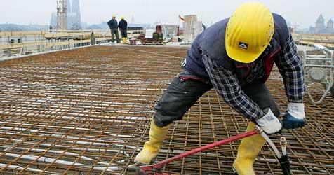 AK und Industrielle einig bei Konjunkturpaket (Bild: APA/Rolf Vennenbernd)