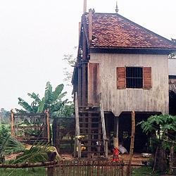 Scheidungswilliges Ehepaar sägt Haus entzwei (Bild: AFP)