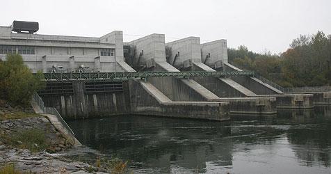Anwalt sieht für unsere Kraftwerke schwarz (Bild: Horst Einöder)