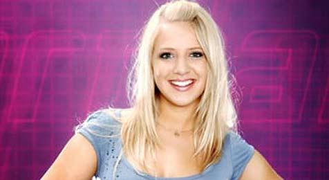 """Starmania: Milena singt """"Upside Down"""" (Bild: ORF)"""