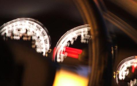 Oberösterreichs säuft und rast beim Autofahren