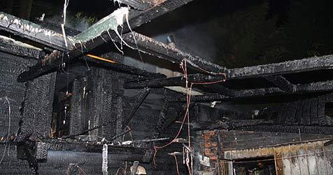 Holzhaus bei Feuer völlig zerstört