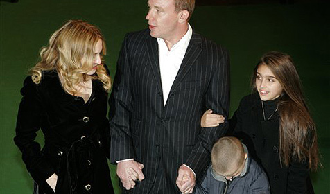 Madonna feiert Weihnachten zusammen mit Guy