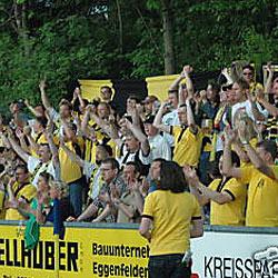 Fußball-Anhänger versteigern sich selbst
