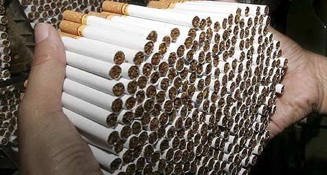 Zigarettenschmuggel Grenzgebiet aufgeflogen (Bild: APA/Barbara Walton)