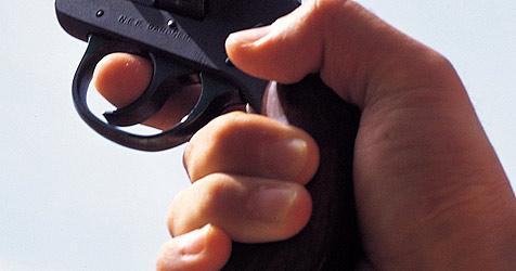 Bewaffnetes Duo nach Überfall noch in der Bank gefasst (Bild: (c) [2008] JupiterImages Corporation)