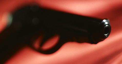Obdachloser findet Waffe und bedroht Anrainer (Bild: (c) [2008] JupiterImages Corporation)