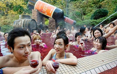 So feiern die Japaner den neuen Beaujolais-Wein