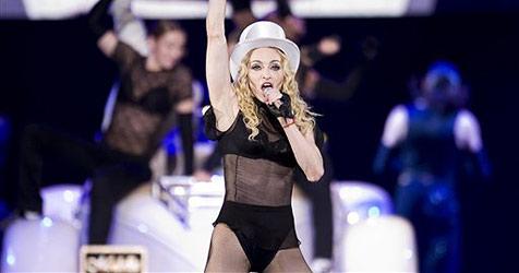 Madonna knutscht mit brasilianischem Model