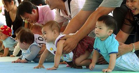Chinesische Mütter schicken Babys ins Rennen