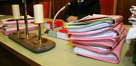 Jugendlicher entfernt Kanaldeckel - Strafprozess (Bild: APA)