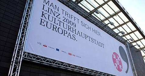 Linz verscherbelt Überbleibsel der Kulturhauptstadt (Bild: APA/Rubra)