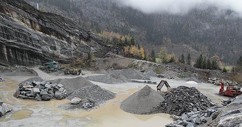 Breite Front gegen Steinbruch in Steinegg (Bild: Klaus Kreuzer)