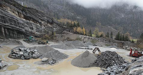 Müll aus Steinbruch in Steinegg soll nun entsorgt werden (Bild: Klaus Kreuzer)