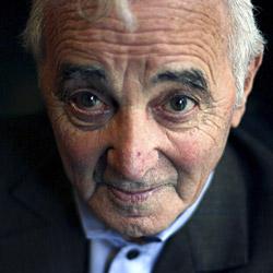 Aznavour erhält armenische Staatsbürgerschaft