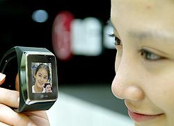 Handy-Armbanduhr von LG kommt auf den Markt (Bild: AFP)
