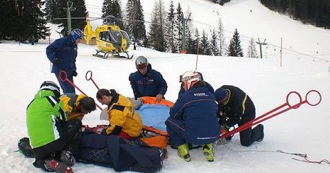 Serie an schweren Skiunfällen reißt nicht ab! (Bild: APA/OEAMTC)