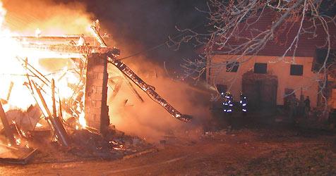 Pettenbach: Bauernhof vor Flammen gerettet (Bild: FF Pettenbach)