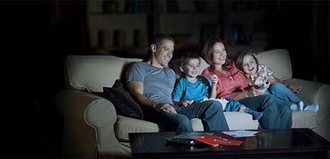 Fernseher mit Spielfilm-Streaming aus dem Web