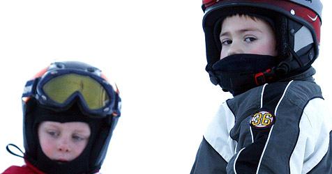 """Erfreulicher """"Konsument""""-Test von Skihelmen (Bild: APA/Herbert Pfarrhofer)"""