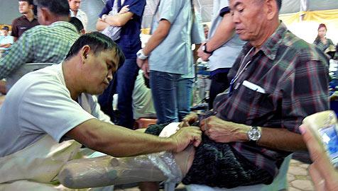 Stiftung in Thailand stellt Prothesen aus Müll her