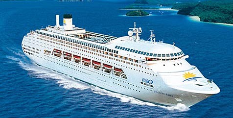 Betrunkener springt von Kreuzfahrtschiff (Bild: P&O Cruises)