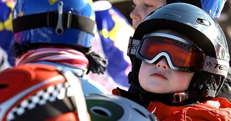 Landtag beschließt Skihelmpflicht für Kinder (Bild: APA/HARALD SCHNEIDER)