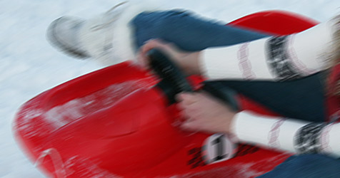 8-jähriges Mädchen beim Rodeln am Annaberg verletzt (Bild: PETER TOMSCHI)