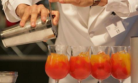 Münchner mixt 389 Cocktails in einer Stunde
