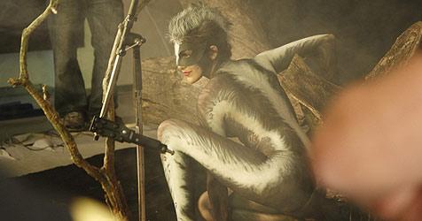 Mädchen zeigen tierisch viel nackte Haut (Bild: Puls4)