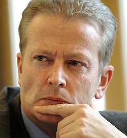 Minister Mitterlehner in Bad Vigaun und Obertrum (Bild: APA/HELMUT FOHRINGER)
