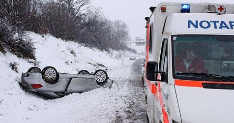Unfallserie fordert eine Tote und 23 Verletzte (Bild: 144 Notruf Niederösterreich/Draxler)